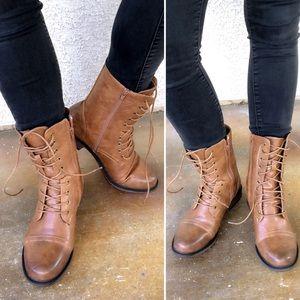 Shoes - COMBAT MOTO BOOT - TAN